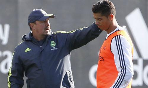 """Scandal thầy-trò rúng động: Ronaldo xỏ mũi """"gã khờ"""" Benitez (P4) - 2"""