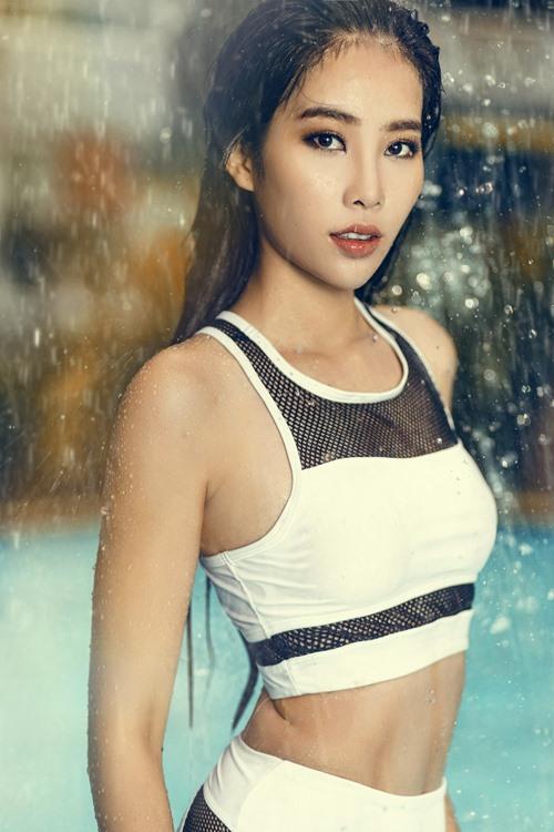 Hoa khôi Nam Em tung ảnh áo tắm nóng bỏng - 5