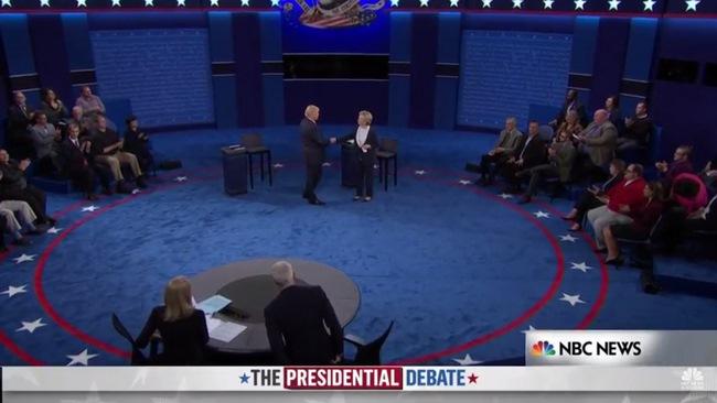 Tranh luận lần 2:Trump lấy công làm thủ sau video nói tục - 1