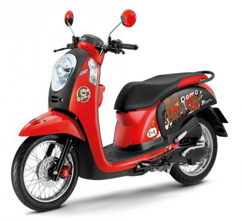 Honda Scoopy i Domo-kun giá 30,8 triệu đồng cho nữ sinh - 1