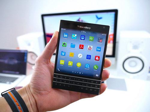 Blackberry Passport giảm 50% tạo cơn sốt tháng 10 - 1