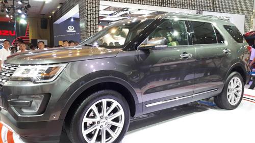 SUV hạng sang Ford Explorer có giá 2,18 tỷ đồng tại Việt Nam - 1