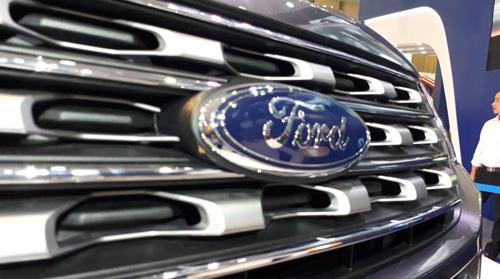 SUV hạng sang Ford Explorer có giá 2,18 tỷ đồng tại Việt Nam - 3