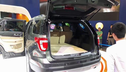 SUV hạng sang Ford Explorer có giá 2,18 tỷ đồng tại Việt Nam - 4