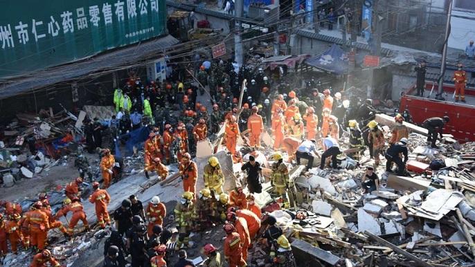 TQ: 4 chung cư 5 tầng bất ngờ đổ sập, nhiều người chết - 2