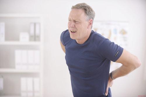Đau thắt lưng có thể dẫn đến khuyết tật - 1