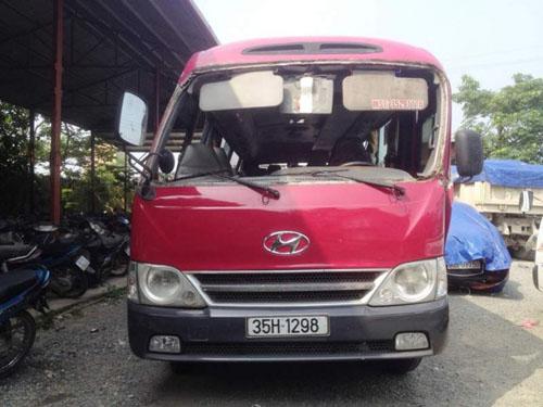 Xe khách gặp nạn ở Ninh Bình, hơn 20 người nhập viện - 1