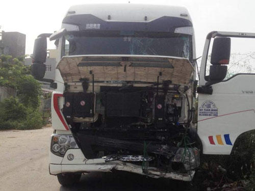 Xe khách gặp nạn ở Ninh Bình, hơn 20 người nhập viện - 3