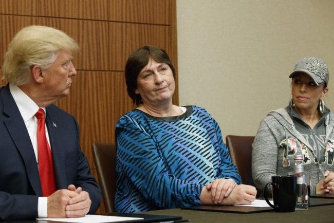 Vì sao Trump dẫn người bị hiếp năm 12 tuổi đến tranh luận - 1