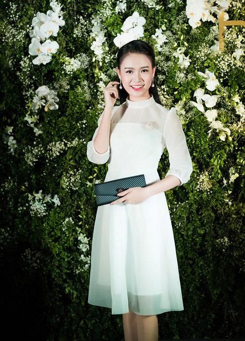 Top người đẹp Việt hội tụ, khoe nét xuân thì - 5