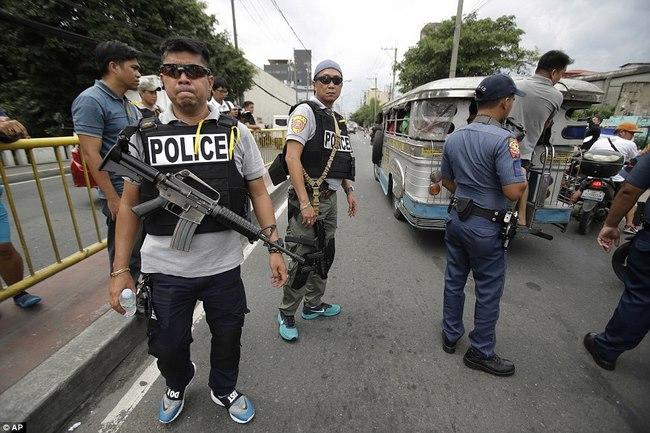100 ngày của Tổng thống Philippines: 3.700 người chết - 1