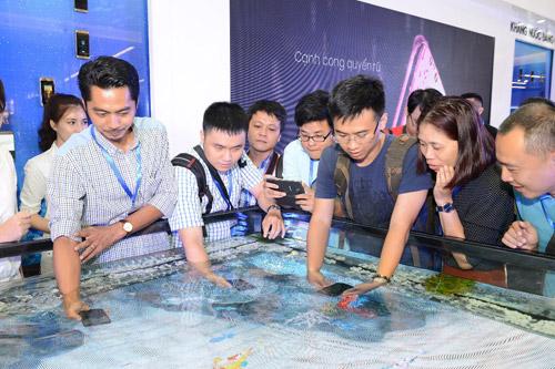 Choáng ngợp sàn diễn công nghệ đẳng cấp Galaxy Studio tại Việt Nam - 2