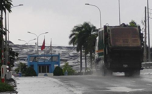 TP.HCM yêu cầu Đa Phước tiếp tục nhận 2.000 tấn rác/ngày - 1