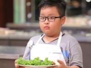 Sửng sốt với món ăn của cậu bé 9 tuổi bị rụng răng khi nấu