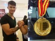 Thể thao - Nóng: 1 mình đi thi, chàng trai Việt vô địch vật tay thế giới