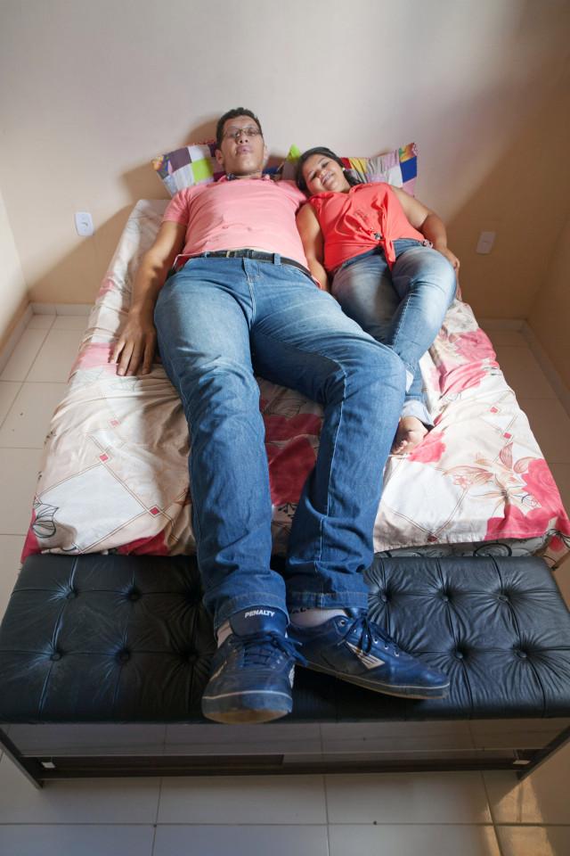 Bi kịch của chàng trai vì quá cao mà không thể có con với vợ - 3