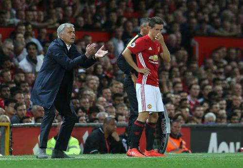 """MU 4 đại chiến/10 ngày: Mourinho sợ """"dớp"""" Van Gaal - 2"""
