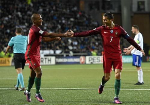 Đảo Faroe - Bồ Đào Nha: Hat-trick 37 phút - 1