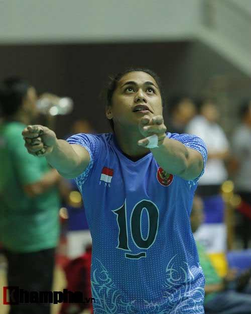 Gặp đối thủ cơ bắp, bóng chuyền nữ Việt Nam thắng thuyết phục - 4