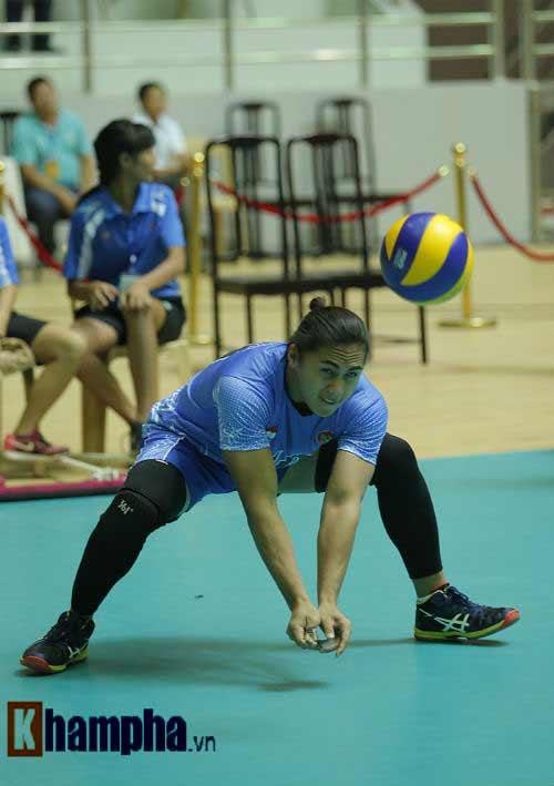 Gặp đối thủ cơ bắp, bóng chuyền nữ Việt Nam thắng thuyết phục - 5
