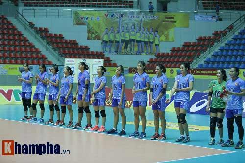 Gặp đối thủ cơ bắp, bóng chuyền nữ Việt Nam thắng thuyết phục - 8