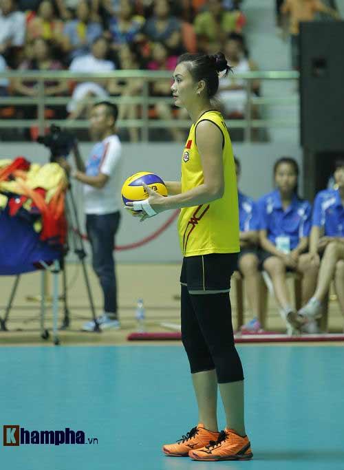 Gặp đối thủ cơ bắp, bóng chuyền nữ Việt Nam thắng thuyết phục - 13