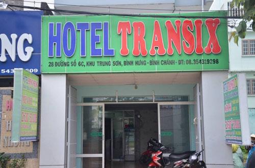 Thanh niên chết bí ẩn trong khách sạn cạnh súng K54 - 1
