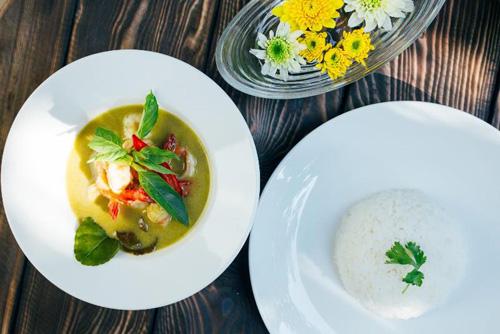 Thưởng thức tinh hoa ẩm thực Thái ngon đúng điệu giữa lòng Sài Gòn - 3