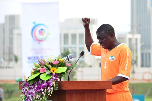 """Viettel Worl Cup 2016: Cầu thủ Mozambique nói tiếng Việt """"như gió"""" - 1"""