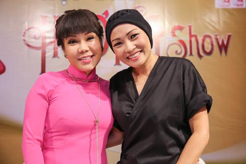 Việt Hương đeo dây chuyền vàng hơn 2 tỷ đi ra mắt show mới - 6