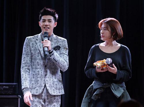 Khán giả quây kín Noo Phước Thịnh tại Hàn Quốc - 8