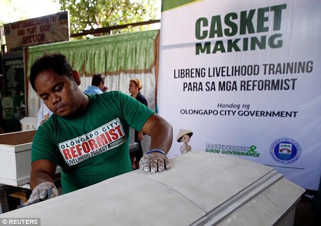 Tội phạm ma túy Philippines đóng quan tài để thoát án tử - 1