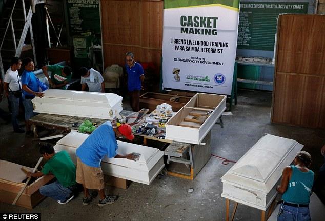 Tội phạm ma túy Philippines đóng quan tài để thoát án tử - 2