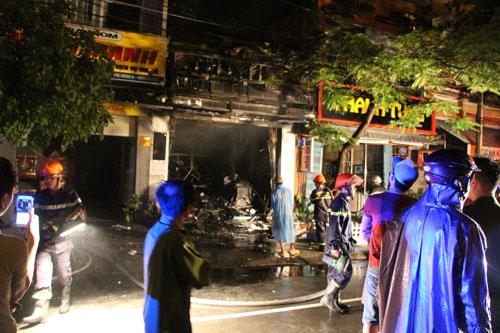Đà Nẵng: Cháy nhà trong đêm, 7 người thoát nạn - 2
