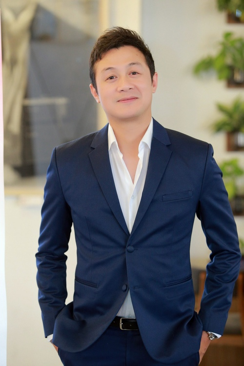 MC Anh Tuấn tình tứ ôm eo Á quân The Face Khánh Ngân - 3