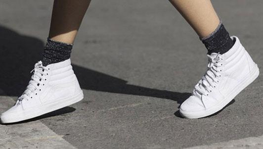 """Ai đi giày trắng phải biết ngay chiêu """"độc"""" này! - 1"""