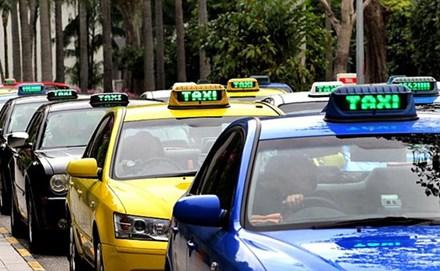 Thứ trưởng Bộ Tài chính trải lòng việc đi làm bằng taxi - 1
