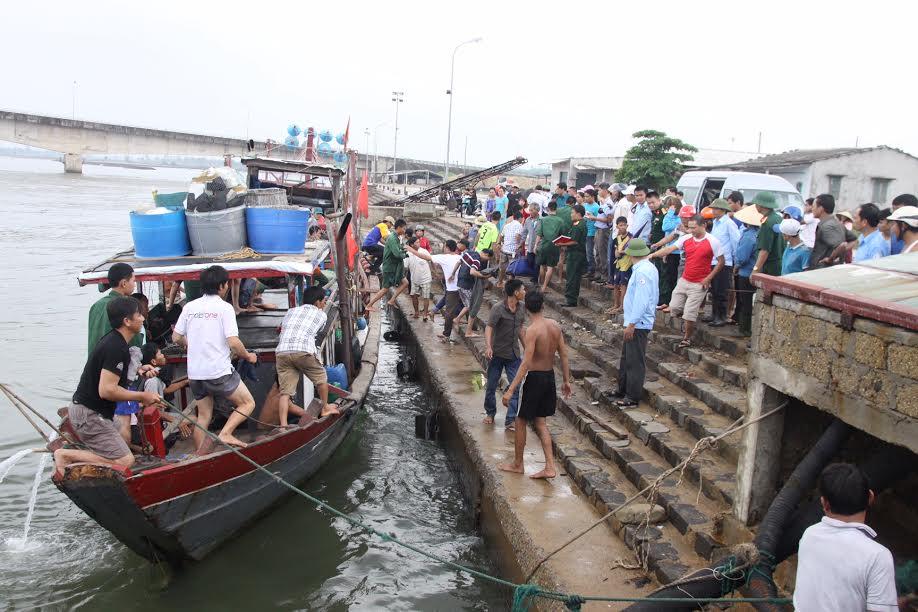 Chìm tàu ở Cồn Cỏ: Tàu bị chìm không phải tàu chở khách - 1