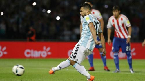 """Argentina thua thảm, """"tội đồ"""" Aguero vẫn được tha thứ - 1"""