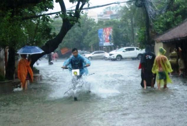 Không khí lạnh tràn về, Trung Bộ mưa to đến hết tuần - 1