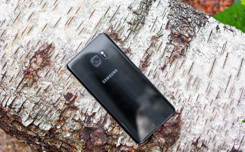 Hành khách mang Samsung Galaxy Note 7 lên máy bay có bị xử lý? - 1