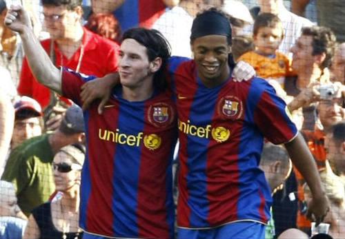 Ronaldinho: Messi xứng đáng QBV nhưng vẫn dưới Pele, Maradona - 1