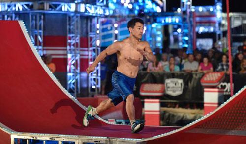 """""""Sasuke Mỹ"""": VĐV cực lùn & kỷ lục chưa ai làm được - 1"""