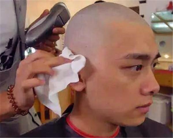 """Những """"quả đầu trọc"""" làm nên thương hiệu cho tài tử Hoa ngữ - 8"""