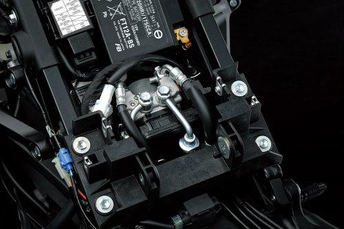 2017 Suzuki GSX-R1000: Vua xe thể thao với van biến thiên - 6