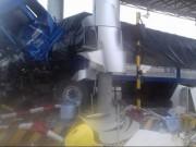 Tin tức trong ngày - Xe container tông nát trạm thu phí ở Khánh Hòa