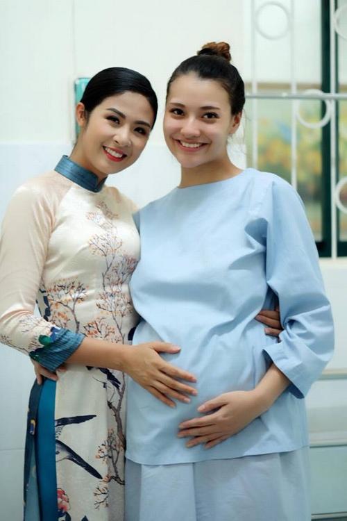 Hồng Quế hạnh phúc đón con gái chào đời - 1