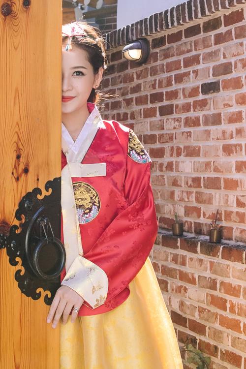 Chi Pu mặc hanbok xinh không thua á hậu Hàn Quốc - 7