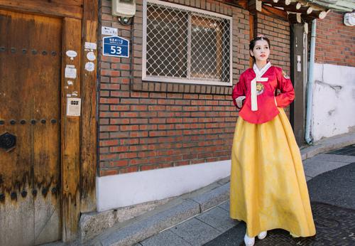 Chi Pu mặc hanbok xinh không thua á hậu Hàn Quốc - 5