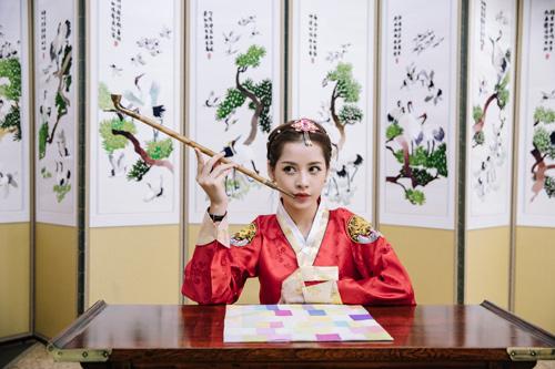 Chi Pu mặc hanbok xinh không thua á hậu Hàn Quốc - 10